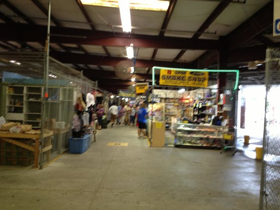Thonotosassa, FL: Inside flea market