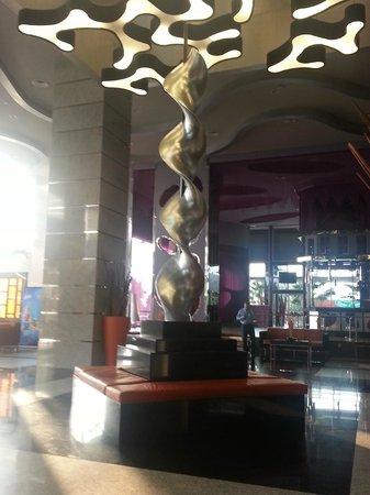 Hotel Riu Plaza Guadalajara: Lobby Moderno y contemporáneo