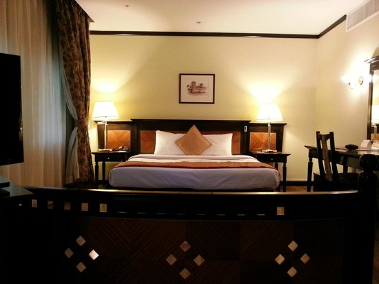 Imperial Suites Hotel: Very comfortable bed