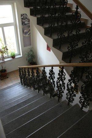 Aparthotel City 5 : Escalier intérieur