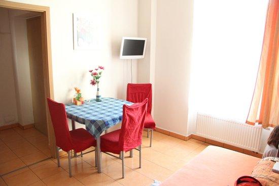 Aparthotel City 5: La pièce de vie côté cour