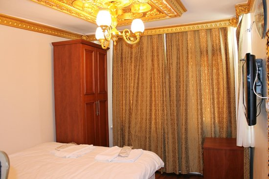 City Guesthouse Istanbul : double room - top floor