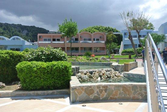 Avra Beach Resort Hotel - Bungalows: les bungalows