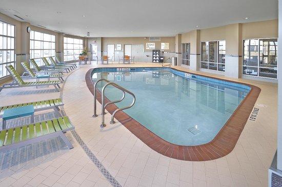 Hampton Inn by Hilton Calgary Airport North : Indoor Pool