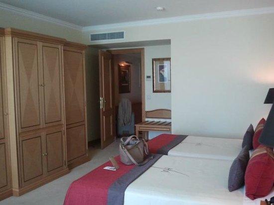 Hotel Cascais Miragem: Номер