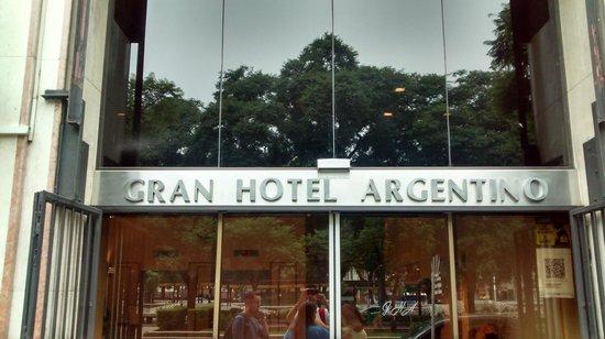 Gran Hotel Argentino: Boa Localização, av.Nove de Julho.