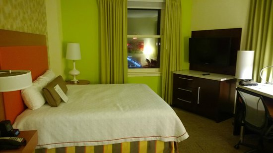 Home2 Suites by Hilton San Antonio Downtown - Riverwalk: King bed