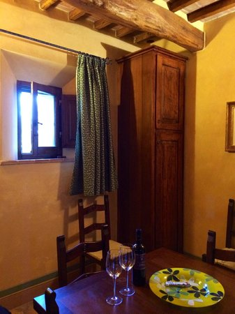 Agriturismo Il Macchione: Inside the very spacious rooms