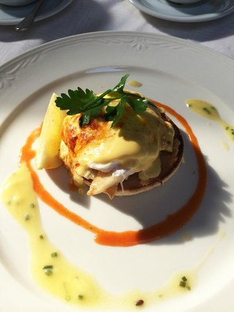 Mount Royale Hotel & Spa: Haddock Eggs Benedict - extremely good!!