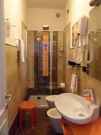 Hotel San Nicolo: Il Bagno con doccia idromassaggio