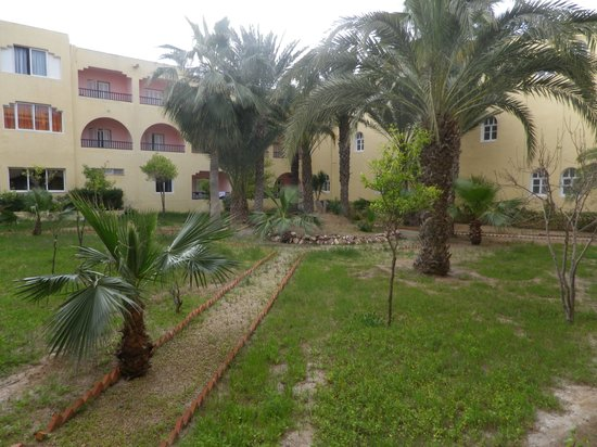 Houda Golf and Beach Club: view from room 61 lookin over small garden