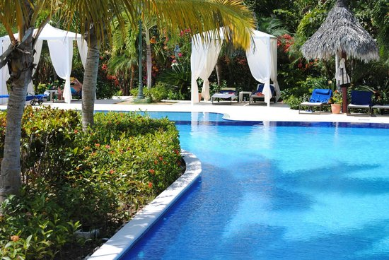 Luxury Bahia Principe Cayo Levantado: The second pool on the site