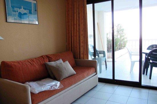 Pierre & Vacances Residenz Cannes Villa Francia: le salon bien usagé
