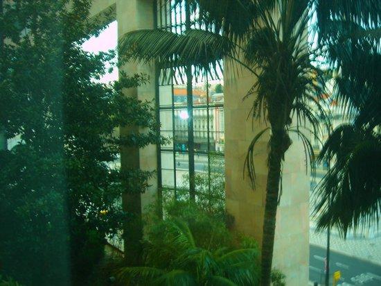 VIP Executive Eden Aparthotel: Desde la ventana de la habitación