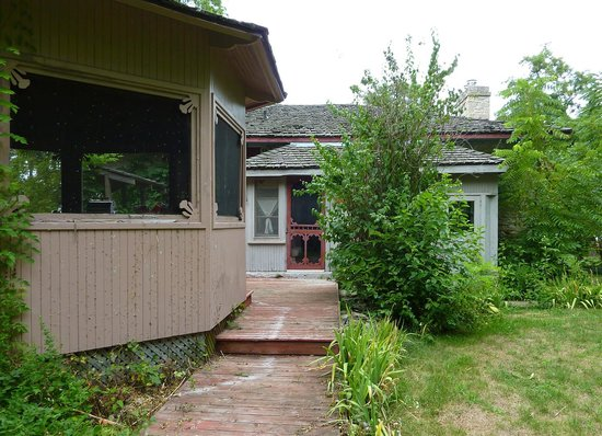 Pelee Places: Rear of stone house and gazebo