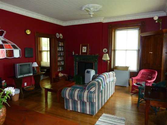 Pelee Places: Inside stone house