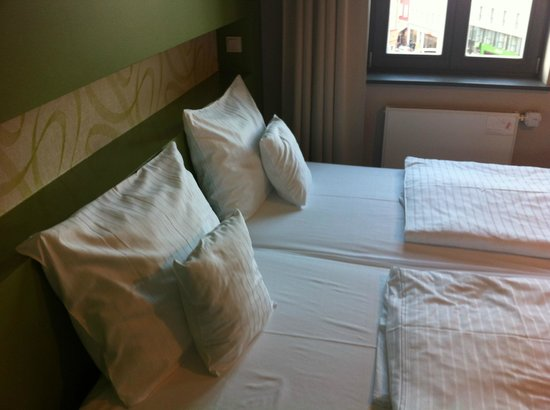 The Circus Hotel : cama