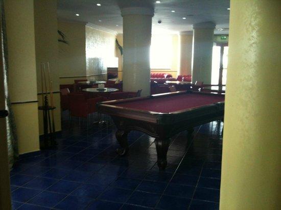 Lloyd's Baia Hotel: bar e sala intrattenimento