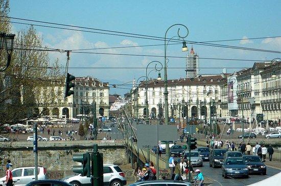 Piazza Vittorio Veneto: Torino: Italia: insieme dalla Gran Madre