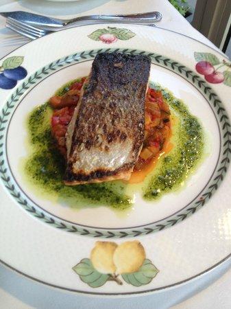 Au Petit Marguery: Salmon