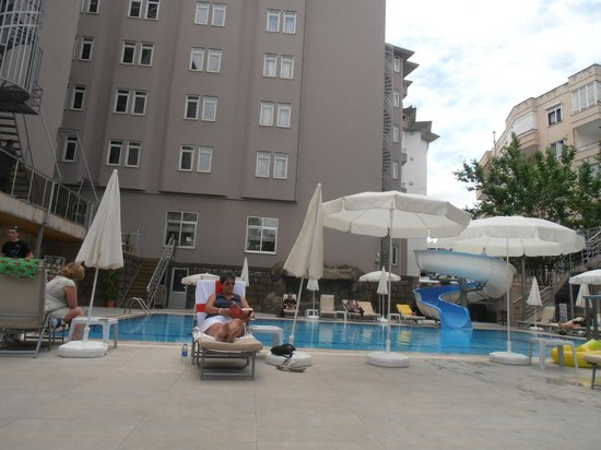 Monart City Hotel: Hotel & grounds