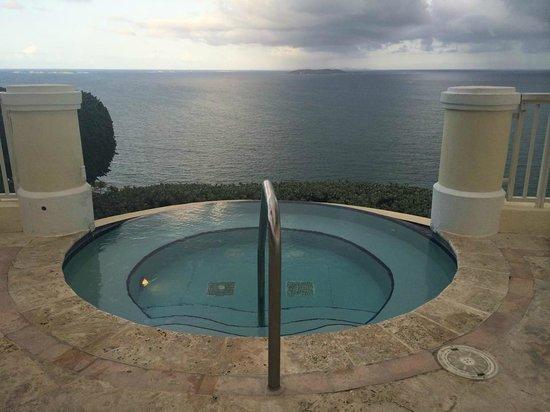 Las Casitas Village, A Waldorf Astoria Resort : Infinity Jacuzzi