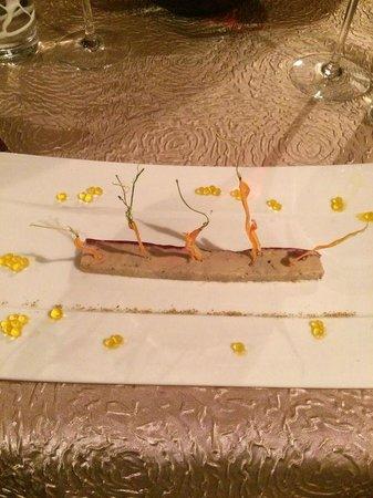 La Pagerie : entrée foie gras carottes nomades et billes de mangue...Miam!!!!!!!
