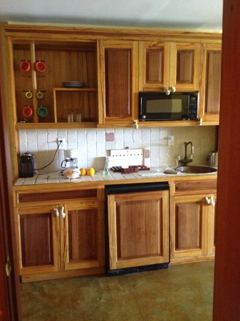 Pelican Bay at Lucaya: State Room Kitchenette