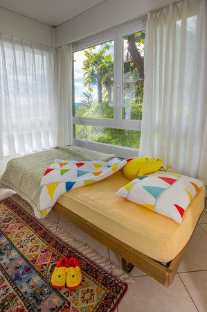 Albergo Al Ponte: Kids bed in the family room