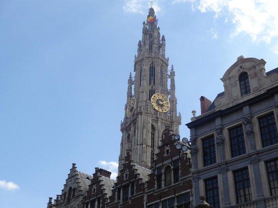 Grote Markt van Antwerpen: Onze lieve vrouwe kathedraal from grote markt
