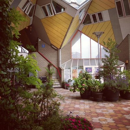 Kijk-Kubus (Show-Cube): Кубические дома в Роттердаме