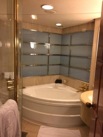 The Langham, Hong Kong : Langham - Bathroom