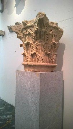 Roman Theatre Museum: В здании