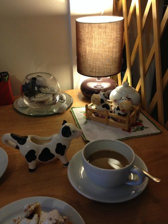 Ella's Yummy Delights: Our table with a cow theme.