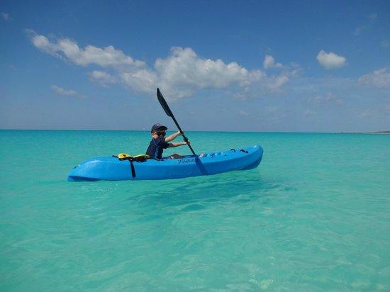 Pigeon Cay Beach Club : Canoing