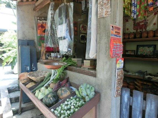 Cinnamon Grand Colombo : A make-believe little stall at Nuga gama restaurant