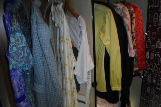 DDR Museum : Typical Clothes