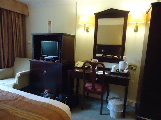 Daresbury Park Hotel: room