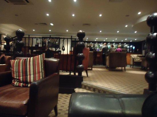 Daresbury Park Hotel: bar