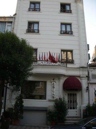 Hotel Aslan Istanbul : Front of Hotel Aslan