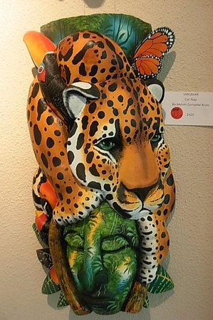 Marie Selby Botanical Gardens: A mask on display