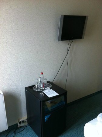 Berlin Mark Hotel : Primitive Verkabelung
