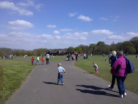 Sandwell Valley Country Park: Dispersion of families