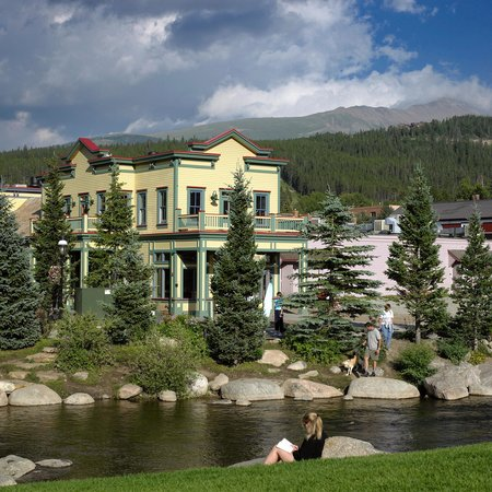 Breckenridge Welcome Center