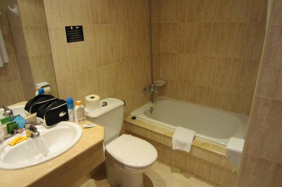 BQ Belvedere Hotel: Bathroom