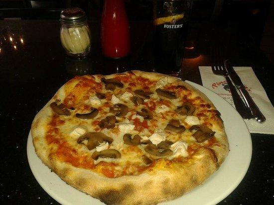 "Pinocchio's Ristorante Italiano: Very nice 10"" pizza"