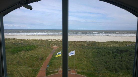 Strandhotel Juister Hof: Blick aufs Meer vom Flur aus