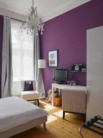 Zimmereinrichtung  Romantik Zimmer - Einrichtung - Bild von mittendrin, Berlin ...