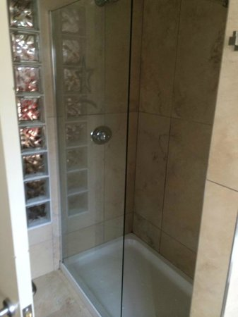 Shower in bathroom - Picture of Seamill Hydro, West Kilbride ...