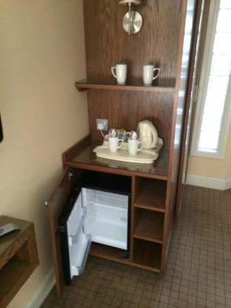 Seamill Hydro: Tea/coffee facilities with mini fridge